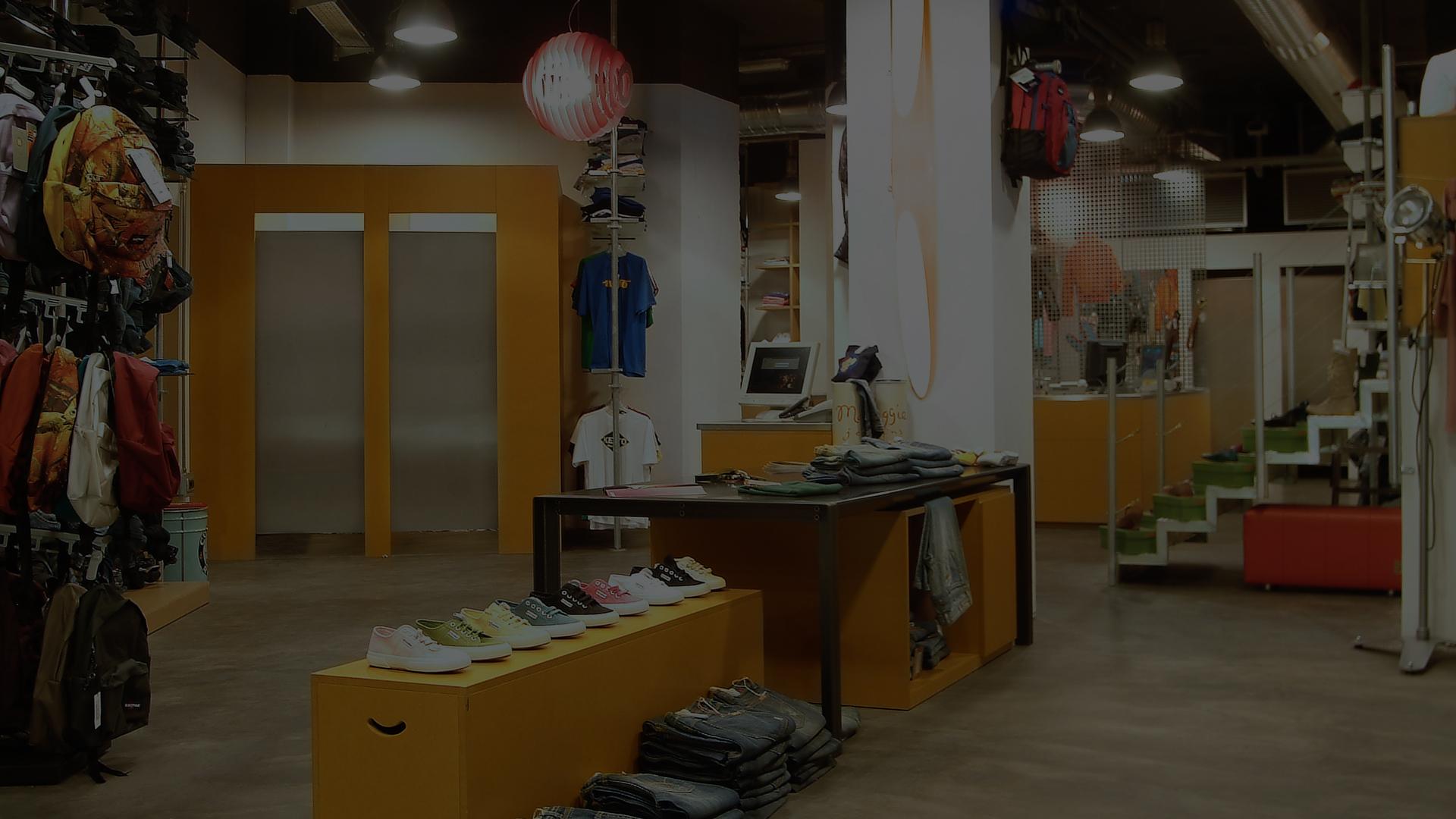 Riposizionamento negozio Amedeo D Milano