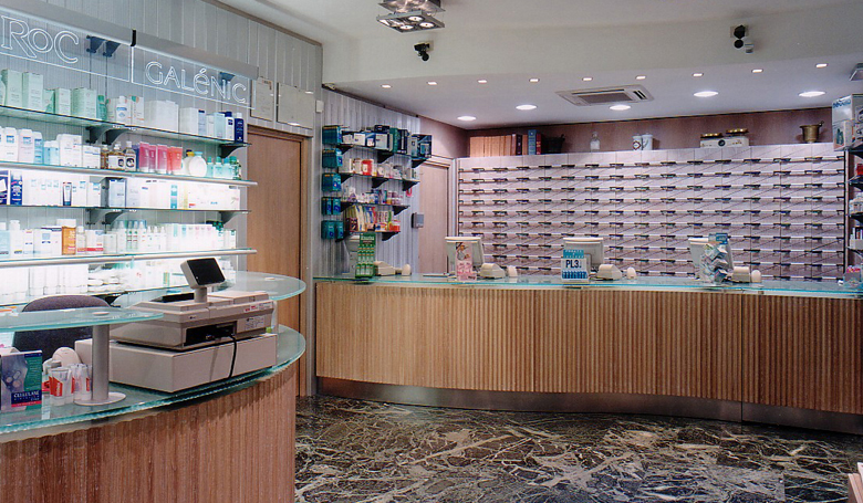 https://www.arteco-italy.com/wp-content/uploads/2019/07/PHARMACY-MILANO-2-3a.jpg