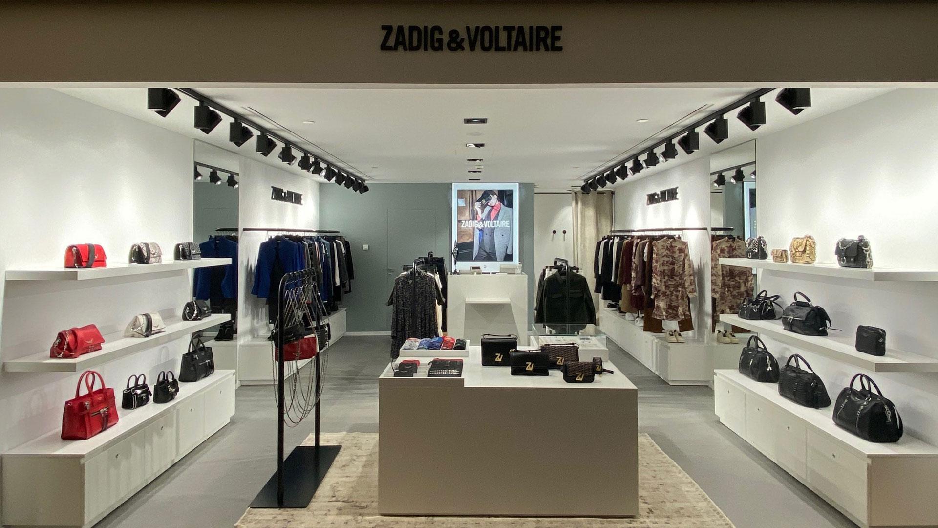 Allestimento negozio a Milano